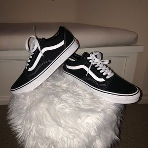 KIDS OLD SKOOL VANS BLACK AND WHITE